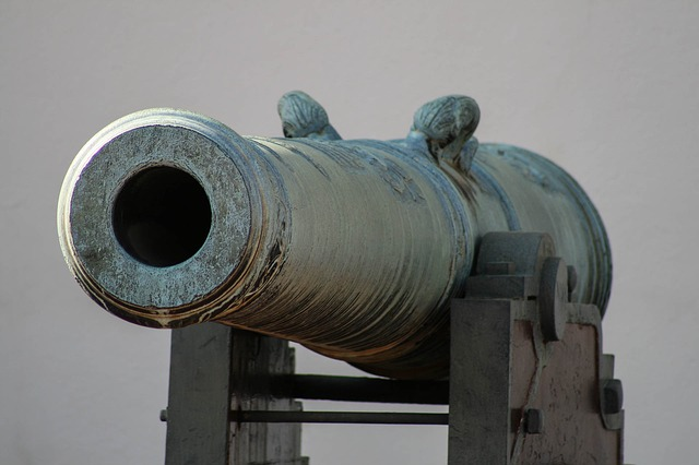 Humorlos und mit Kanonen – die AfD mahnt mich ab